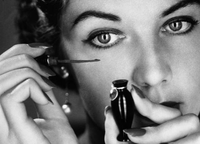 5 способов, которые позволят избежать ошибок в макияже глаз
