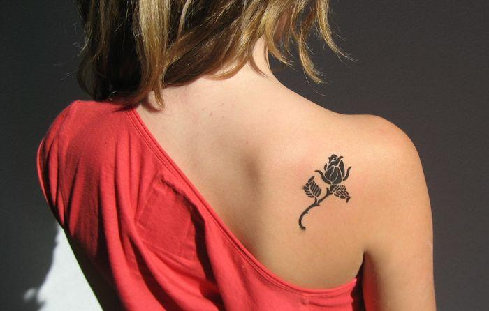 Маленькие женские татуировки. Их значение.