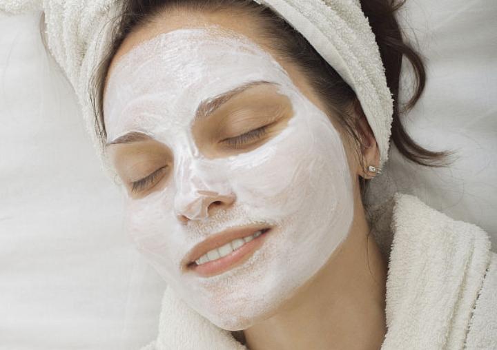Как правильно отдыхать от макияжа