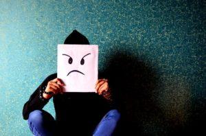 Три женские привычки, которые отпугивают мужчин