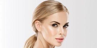 Как убрать синяки под глазами с помощью макияжа?