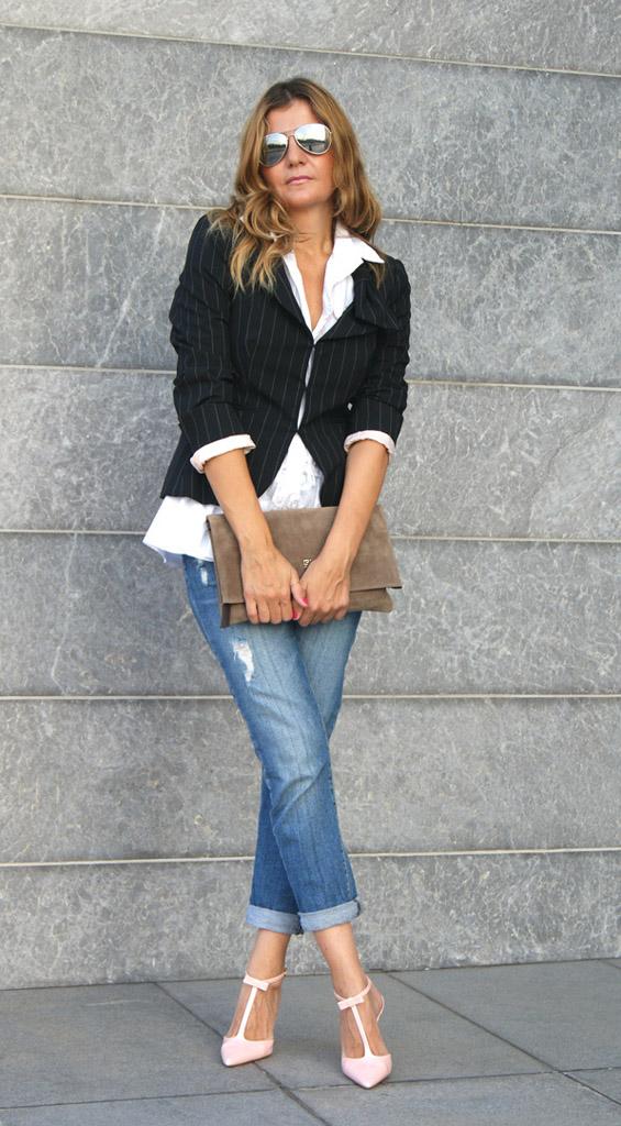 Модные джинсы для женщин за 40