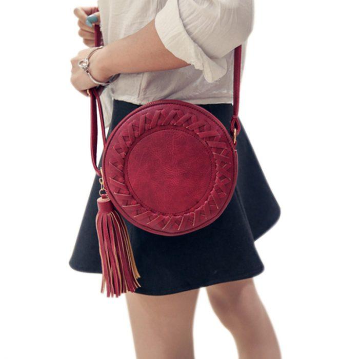69f0818fbf90 Оригинальная и необычная, такая сумка сделает стильным и элегантным любой  ваш образ, даже если он состоит из джемпера с простыми джинсами или  простого ...