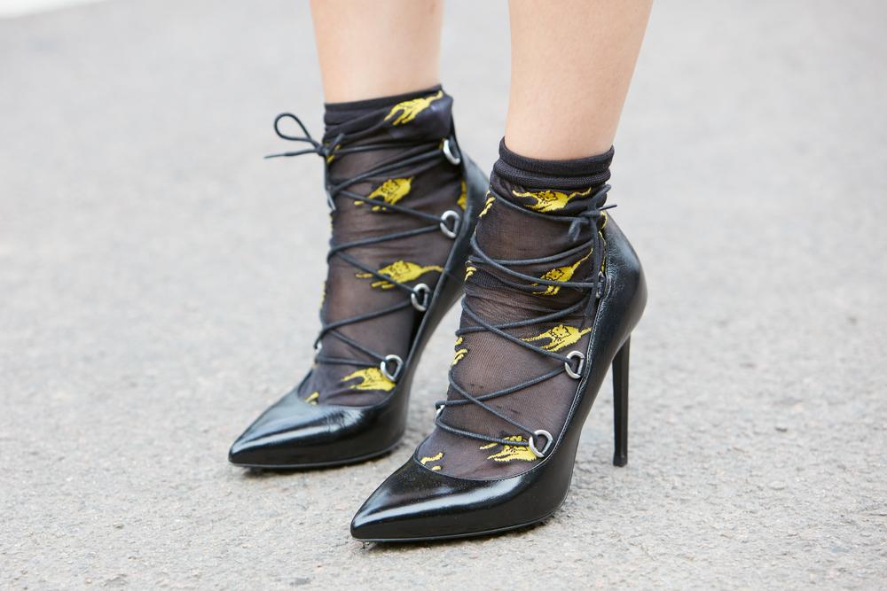 93243ebaefe50 Начинаем с низов: как правильно носить и с чем сочетать носки | Femmie
