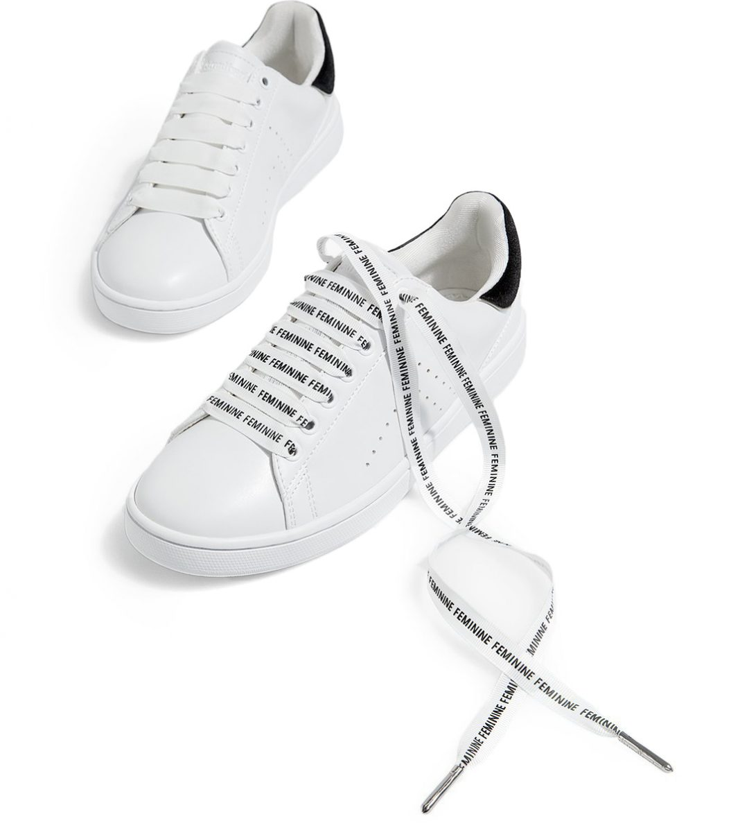 Кроссовки со шнурками картинки