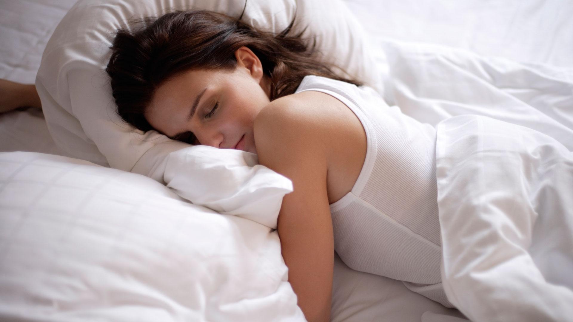 Фото полных в постели, Голые полненькие на фото и обнаженные полные 6 фотография