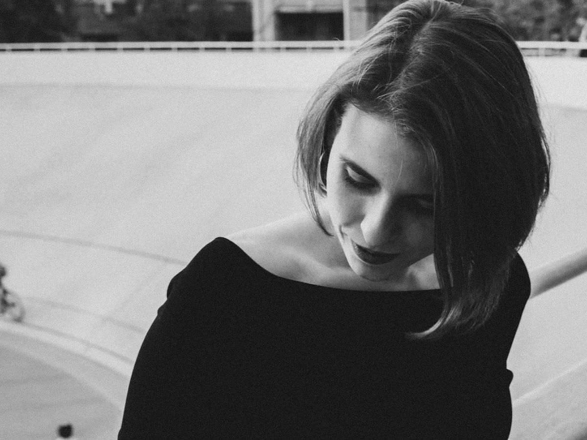 6 жестов, которые выдают альфа-женщину, как бы она ни скрывала | Femmie