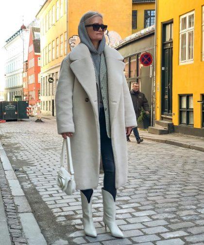 5 зимних нарядов, в которых женщина 60+ выглядит лучше молодой