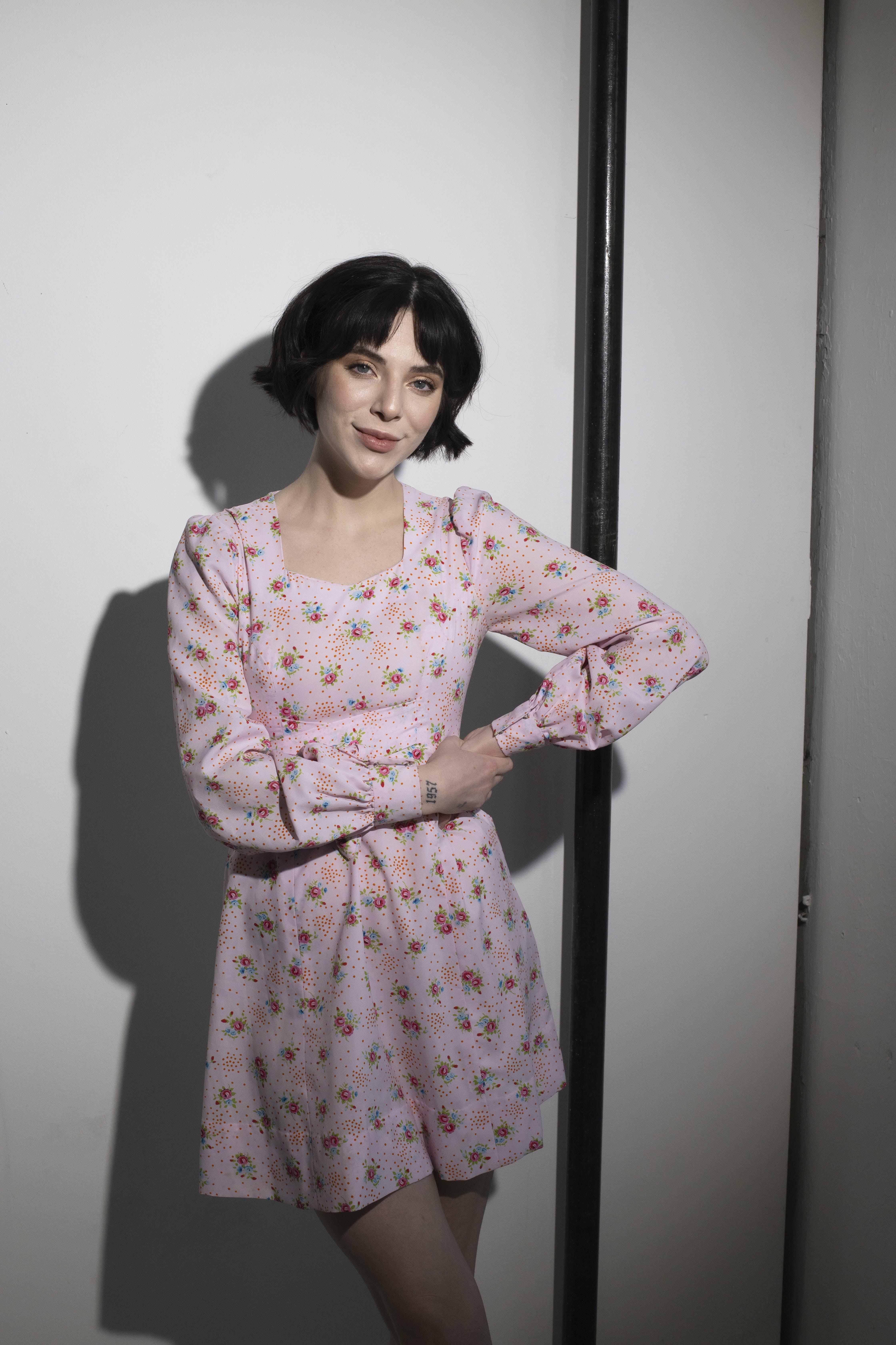 Платье с V-образным вырезом 4