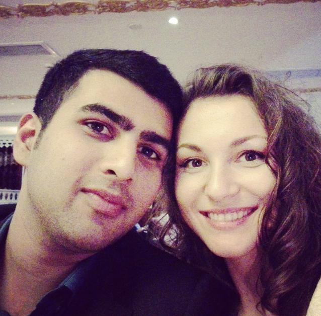 Россиянка вышла за красавца-индуса и уехала к нему на родину. Как живет пара спустя 5 лет[a] 4