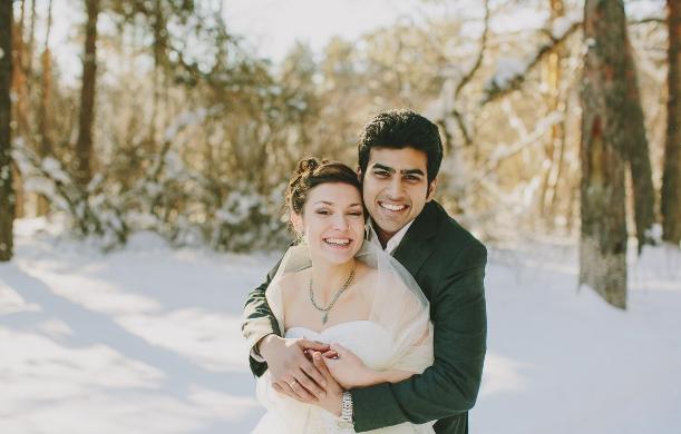 Россиянка вышла за красавца-индуса и уехала к нему на родину. Как живет пара спустя 5 лет[a] 13