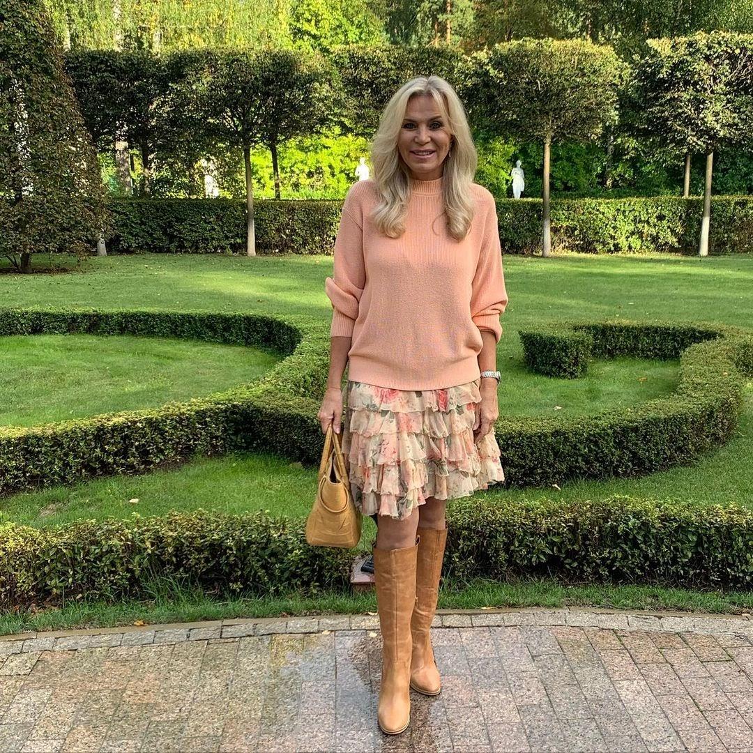 Нежная юбка с оборками + пастельный свитер 1