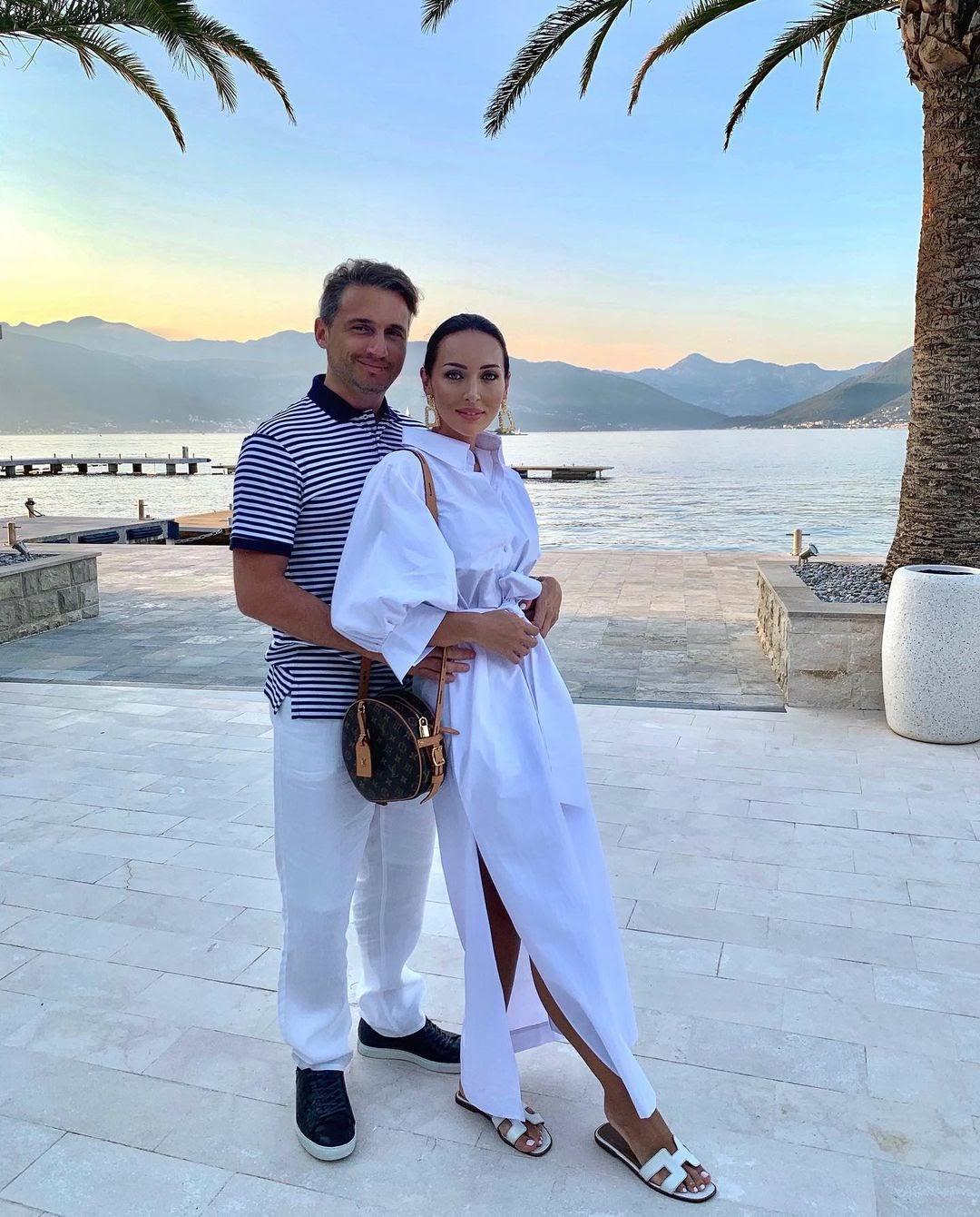 Живет 15 лет с единственным мужем Яном Абрамовым 3